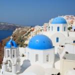 紺碧のエーゲ海と白壁のコントラストが眩しい、ゆったりとした時間が流れる大人リゾート・サントリーニ島